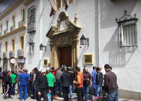 إغلاق فندق المنزه بطنجة يدفع عماله إلى الاحتجاج