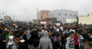 الخميسات.. احتجاجات حاشدة على مصرع تلميذة تحت عمود كهربائي بالشارع العام