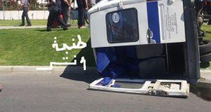 """حادث بطنجة بين سيارة عادية وسيارة لنقل العمال قرب ممر """"مرجان"""""""