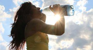 نصيحة رئيسية هذه الايام: اشربوا الكثير من الماء..