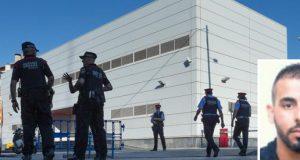 إصابة ثلاثة أشخاص بعد اقتحام سيارة لرصيف مارة بإسبانيا.. وقتل مهاجم مركز شرطة بكتالونيا