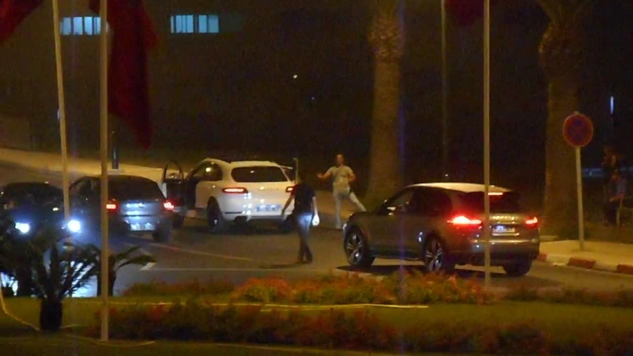 """عربدة سيارات بطنجة في """"الطريق الملكي"""".. وانتظار تحرك الأمن"""