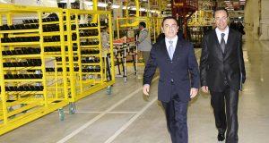 """بسبب مصنع طنجة.. والساعة الزائدة: المغاربة يتابعون اعتقال """"مُول داسْيا"""".."""