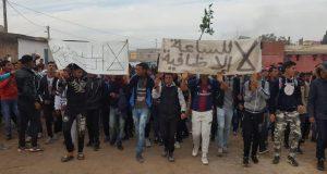 ساعة العثماني: احتجاج في قلب الفوضى.. وفوضى في قلب الاحتجاج..