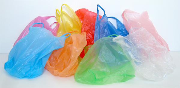 شعب البلاستيك: كل مغربي يستهلك قرابة ألف كيس بلاستيكي في العام.. !