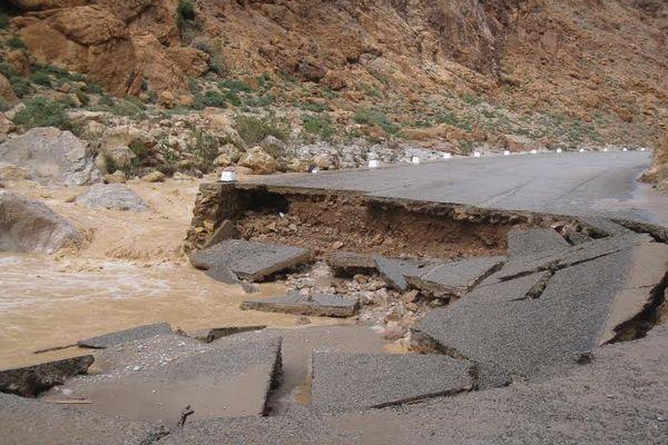 الطرق المقطوعة بسبب الأمطار