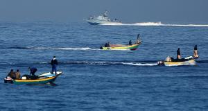 إسرائيل للفلسطينيين: بدل أن نترككم تصطادون.. سنعطيكم سمكة!