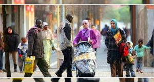 مغاربة إسبانيا في فوهة مدفع في ظل تصاعد العداء للمسلمين