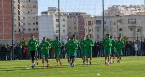 """جمهور غفير"""" يتابع تداريب المنتخب المغربي بطنجة"""