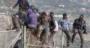 تراجع أعداد المهاجرين السريين نحو إسبانيا