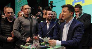 انتخابات أوكرانيا: حين تنتصر الكوميديا على السياسة..