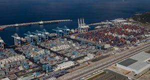 ميناء طنجة المتوسط: ازدحام وانتظار ساعات طويلة