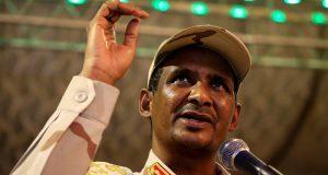رجل الإمارات في السودان يتوعد المحتجين بالقمع