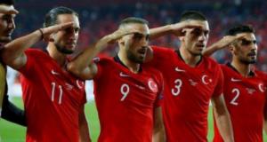 التحية العسكرية للمنتخب التركي: هل ترمز إلى دعم أردوغان في الحملة العسكرية بسوريا..؟