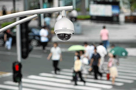 كاميرات المراقبة تكتسح العالم.. وهذا عددها سنة 2021..