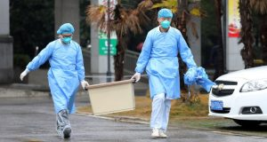 فيروس كورونا الجديد يقتل أول طبيب في الصين.. ورقعة المرض تتسع..