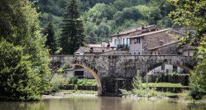 ليس خيالا: كيف تشتري منزلا بدولار واحد.. في أجمل بلدان العالم..!