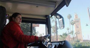 قصة أول امرأة مغربية تقود حافلة سياحية