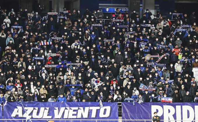 """الفيفا: مباريات كرة القدم مهددة بسبب """"كورونا"""""""