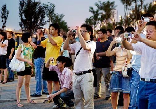 السياح الصينيون.. من مطلوبين إلى منبوذين