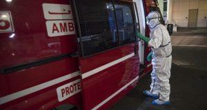 """امرأة في التسعين: الإعلان عن أول حالة وفاة بفيروس """"كورونا"""" بالمغرب"""