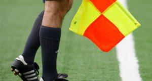 صلاحيات حكام الشرط تتعزز في مباريات كرة القدم