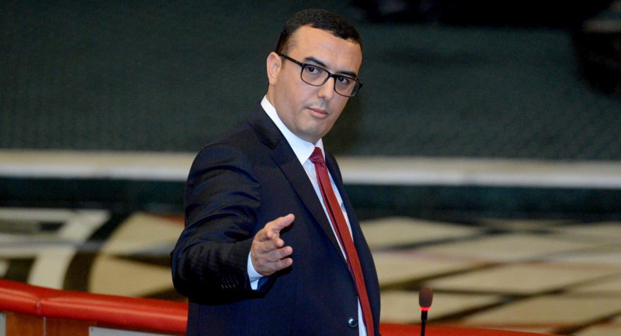 """وزير الشغل """"امكراز"""" يعترف أخيراً أن مصنع رونو طنجة يشكل """"بؤرة لوباء كورونا"""""""