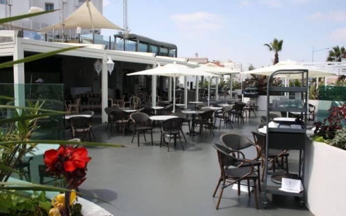 أرباب مطاعم ومقاهي في طنجة يرفضون قرارات جمعيتهم الوطنية ويستعدون لاستئناف أنشطتهم