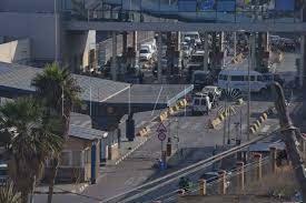 إسبانيا ترفض فتح معبر سبتة حالياً