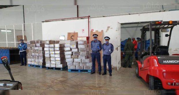 خبرة جمارك ميناء طنجة المتوسط تحبط عملية تهريب 25 طن من المخدرات
