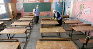 """أساتذة يرفضون تحمل مسؤولية """"تعقيم الأقسام"""" ويؤكدون أن مهمتهم هي التربية والتعليم"""