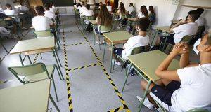 إعادة إغلاق مئات المدارس في إسبانيا وفرنسا