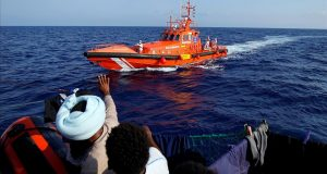 """مزيد من الأخطار للمهاجرين السريين: """"أوبن آرمز"""" تغادر مضيق جبل طارق"""