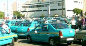 """سخط بين سائقي سيارات الأجرة بطنجة بسبب """"ذعيرة"""" عملية التنقيط اليومية"""