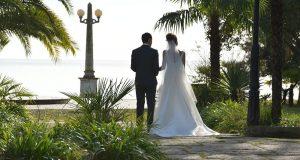 انتبهوا: الرومانسية بين الزوجين مجرد خرافة..!